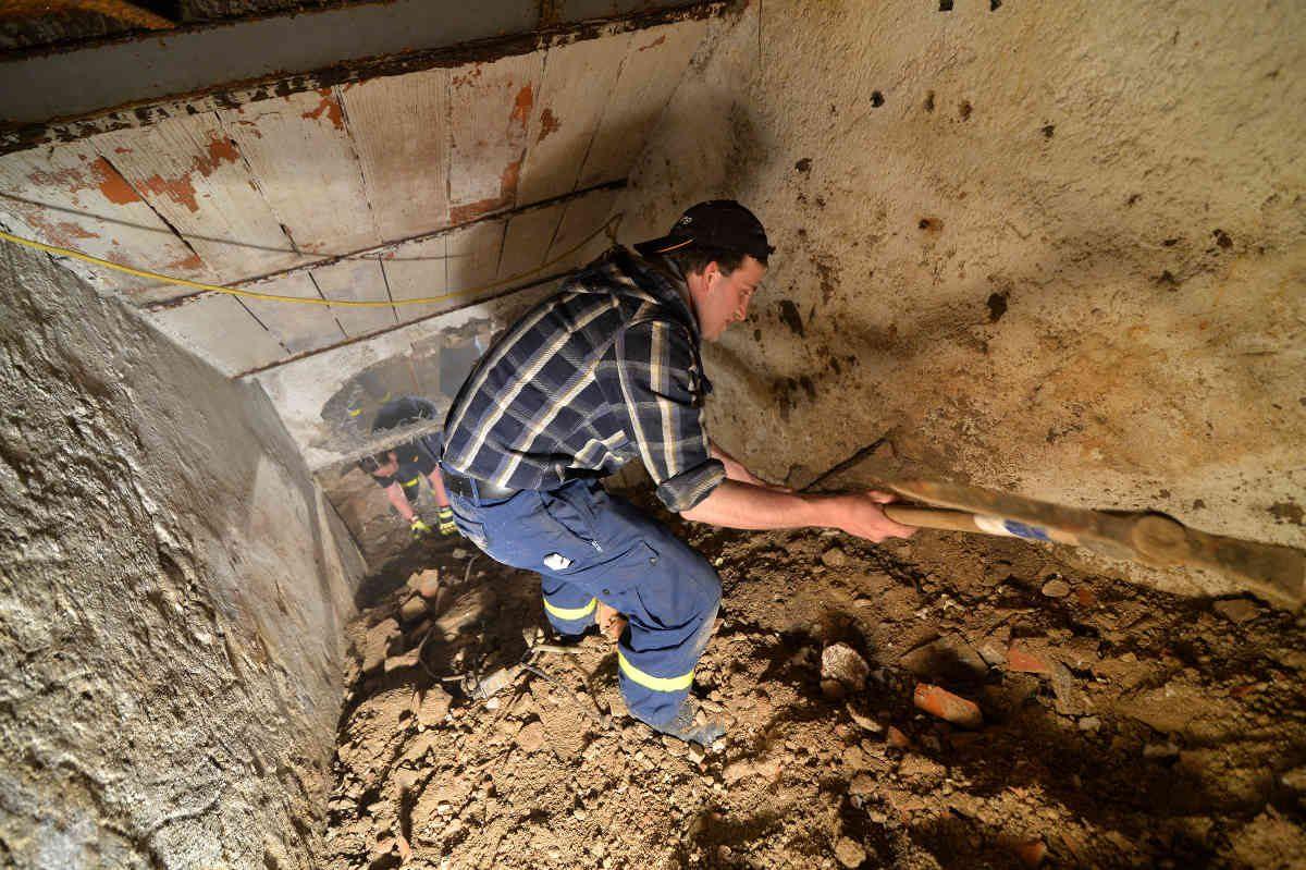 Technisches Hilfswerk räumt Spielstätte der JUNGEN LUISENBURG von Bauschutt frei